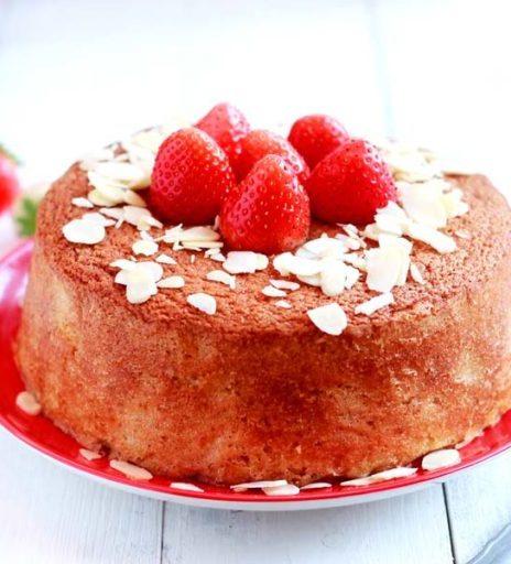 Hot Milk Sponge Cake alle fragole